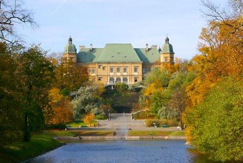 Ujazdowski Castle in Warsaw, Poland (Photo: Marek and Ewa Wojciechowscy)
