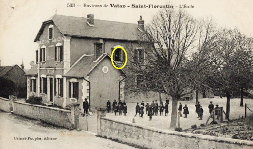 The school in Saint-Florentine, a postcard from 1901. The man at the window is supposed to be Louis Troncet.
