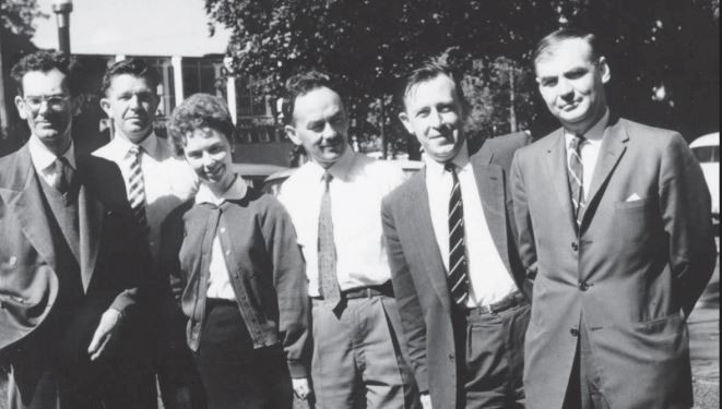 Staff of Computation Lab at the University of Melbourne in 1960 (Geoff Hill is second from right)