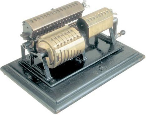 The Esser calculating machine (© Arithmeum, Bonn)