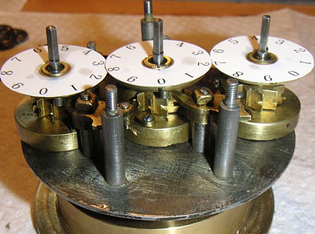Hellström's calculating machine without the cover (© auktionsverket.se)