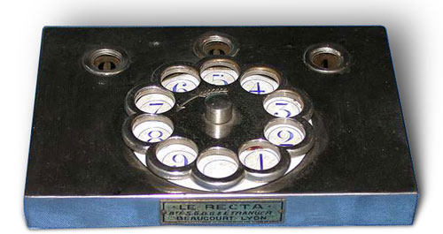 Le Recta calculating machine of Beaucourt