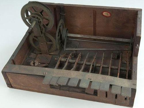 The adding machine of David Marion Rush (© National Museum of American History, Washington)